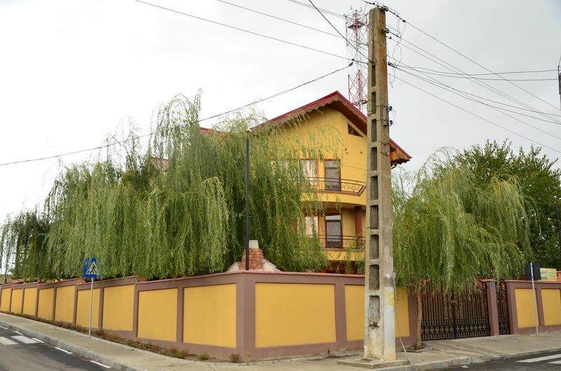 exterior_2